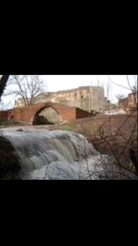 Bridge-Emir bayındır bridge-Constructive: Unknown-Year built: Estimated 13th century-Rebuilt: Akkoyunlu-Rebuilt year: 15th century-Ahlat-Bitlis