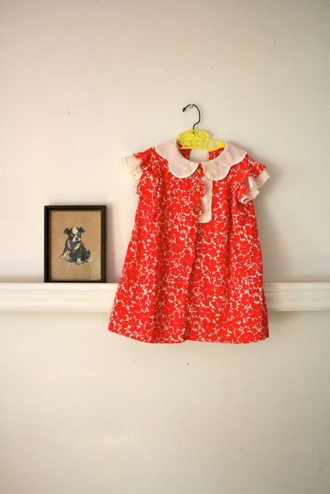 dress poppies vintage. #Vintage dress for a little #girl. Circa 1930s. Made of cotton voile in cream and red floral print. Scalloped details and crochet buttons at bodice.   #kidsclothes