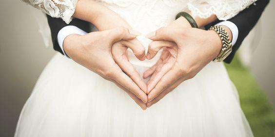 Deux kilos : c'est le poids moyen que prendraient les couples après le mariage d'après une étude réalisée par des chercheurs allemands.