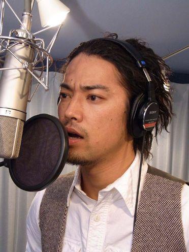 レコーディング中の桐谷健太のかっこいい画像