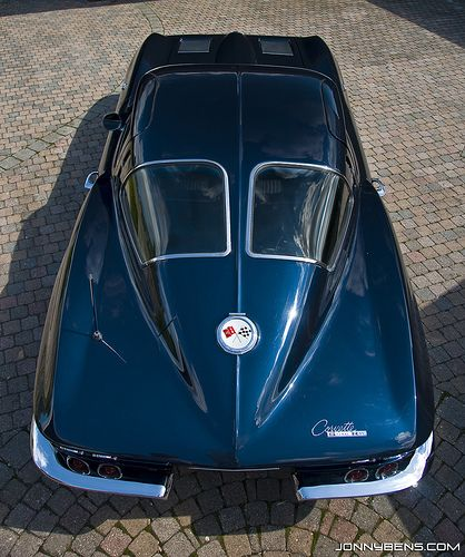 Chevrolet corvette c2 1963 stingray split window toys for 1967 corvette stingray split window