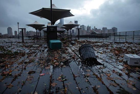 Image Debris Litters The Floor Of Exchange Place In New Jersey