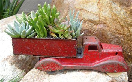 gardening on wheels - red