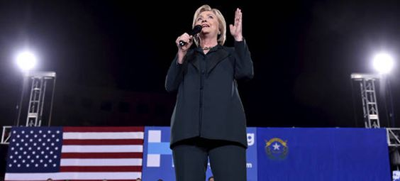 Hillary Clinton speaks at a campaign rally in Las Vegas, Nevada, February 19, 2016. (photo: Reuters/David Becker)