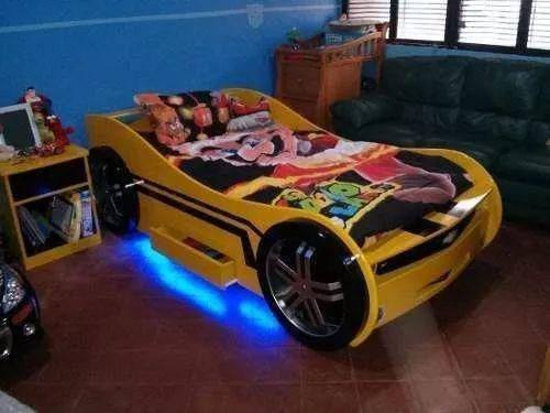 fabricamos  camas  con motivos de carros para niños y niñas