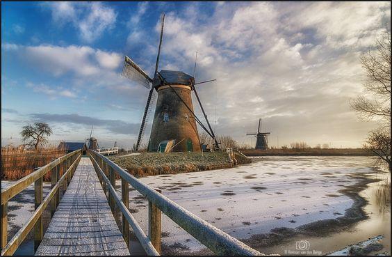 A Beautiful morning at Kinderdijk by Herman van den Berge on 500px