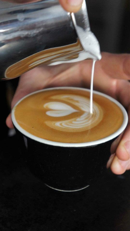 art latte by Normo's barista - Antwerpen