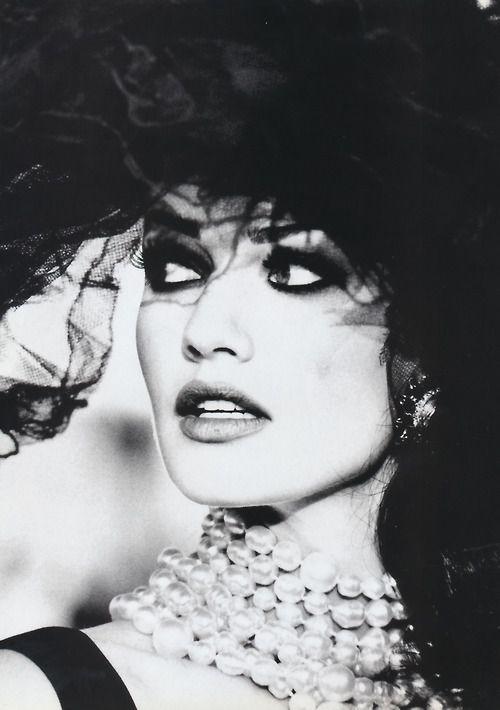 Fortissimo - Vogue France (1992)     Model: Karen Mulder