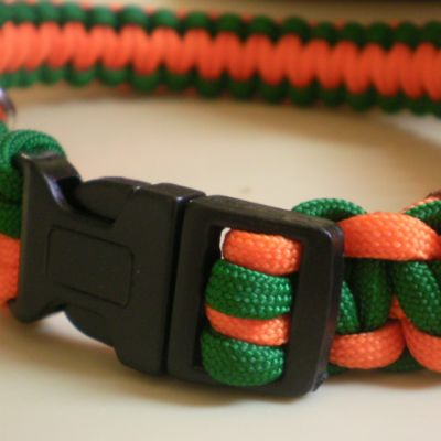 Dogster DIY: How to Make a Paracord Dog Collar - tried this and it's super easy!