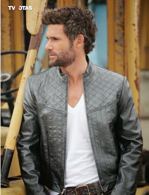 #BerniePaz #Peru #Guapo #sexy #actor #modelo #hermoso #hot #musculos #beautiful #body #shirtless #sincamisa #gay #queersite #latinqueersite #latingay