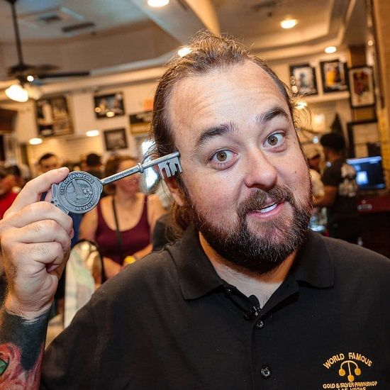 Chumlee Is An American Actor A Reality Television Personality And A Businessman He Has A Net Worth Of 5 M Reality Television Reality Tv Stars American Actors