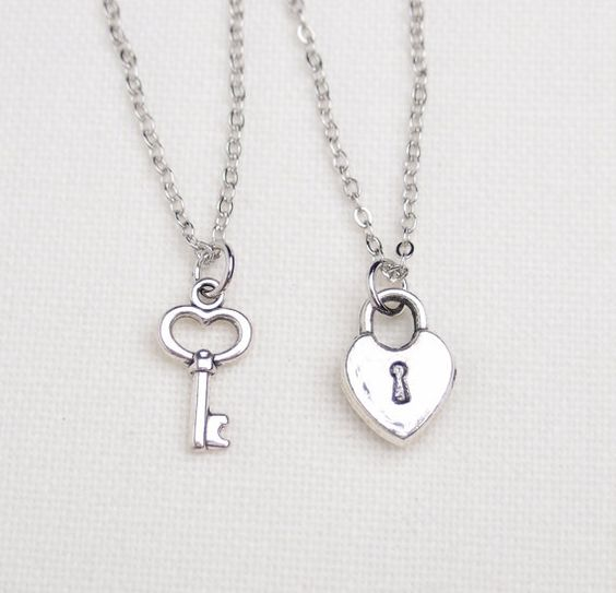 10 Cute Couple Lockets Jewellery Designs Styles At Life