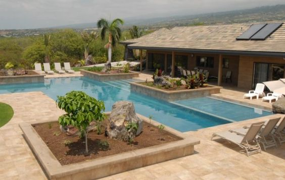 A residential sober living in Hawaii that is close to the Ocean. It has a spectacular panoramic view of the Pacific stretching out to the horizon which will definitely promote relaxation and serenity.
