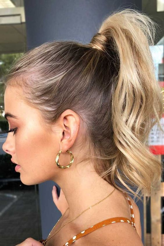 Having Medium Length Hair You Actually Need Style Pretty Hair With Pony Hairstyle Then It Ll High Ponytail Hairstyles Pony Hairstyles Medium Length Hair Styles