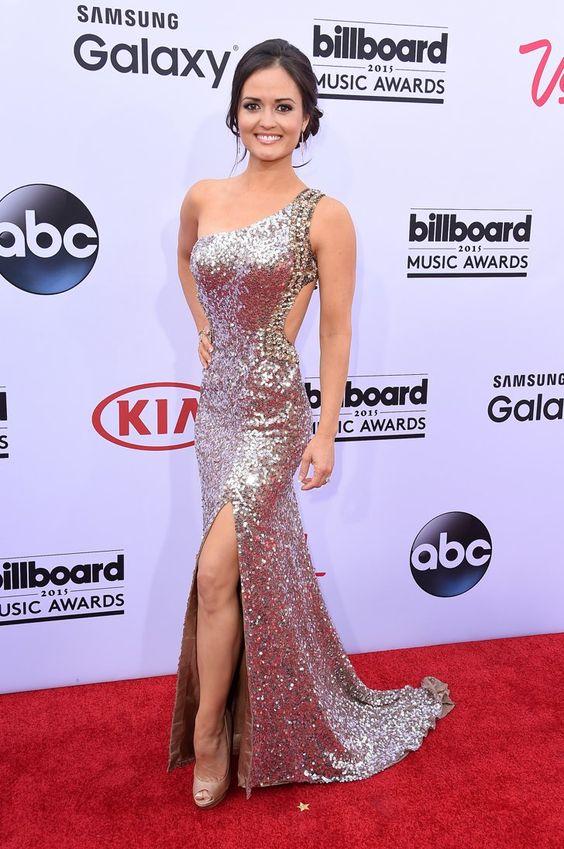 Pin for Later: Seht alle Stars auf dem roten Teppich bei den Billboard Awards! Danica McKellar