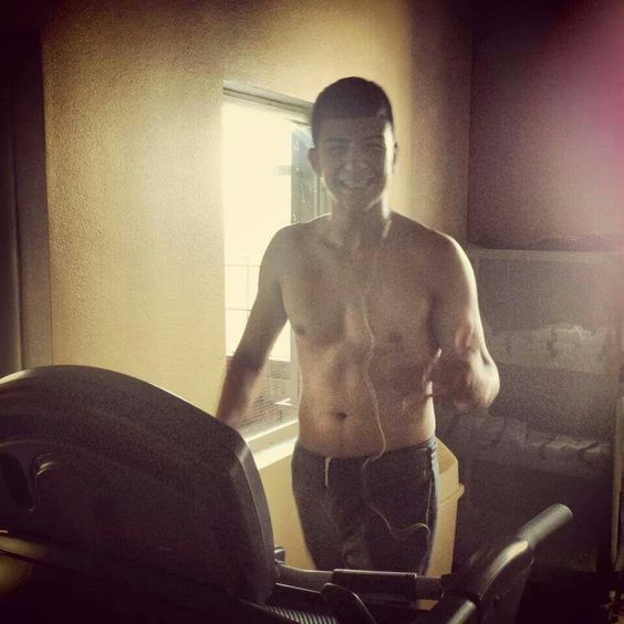 Luis Coronel working out