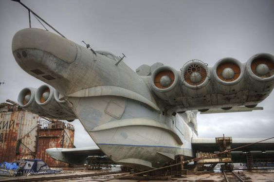 The unbeliverly massive Lun class ekranoplan -plane/boat/ship!!!!! (image heavy) - http://www.warhistoryonline.com/war-articles/unbeliverly-massive-lun-class-ekranoplan-planeboatship.html