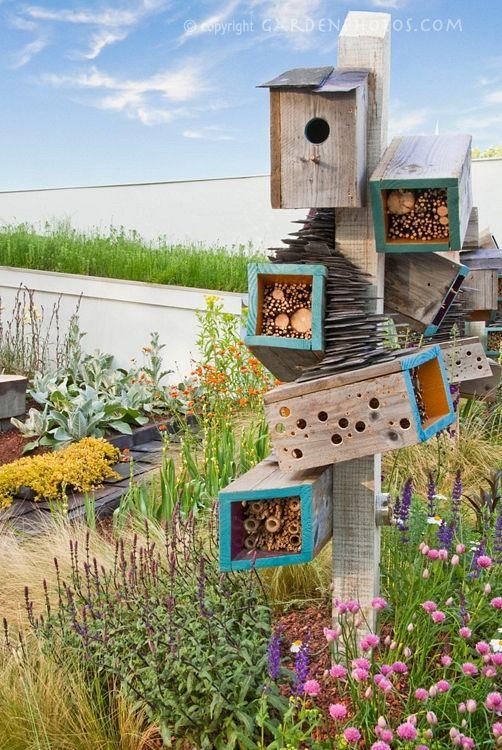 Une bien belle cabane insectes green glam mon jardin - Cabane a insectes ...