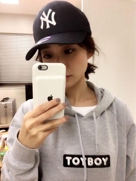 キャップをかぶっている大島優子