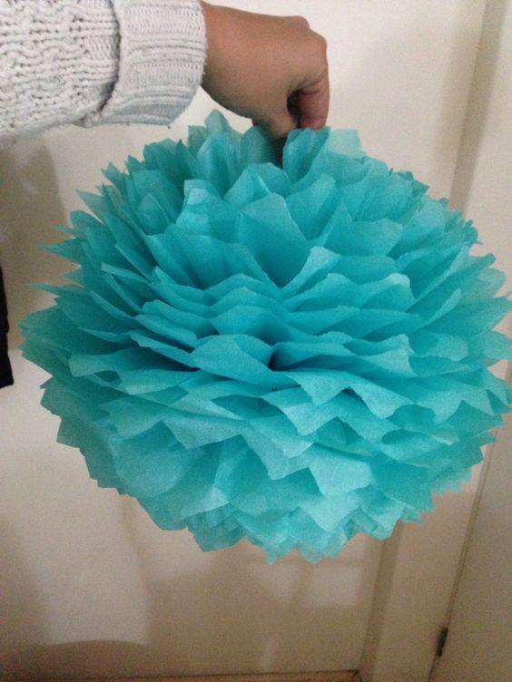 Pompon de papel china papel china pinterest china - Como hacer pompones para decorar fiestas ...