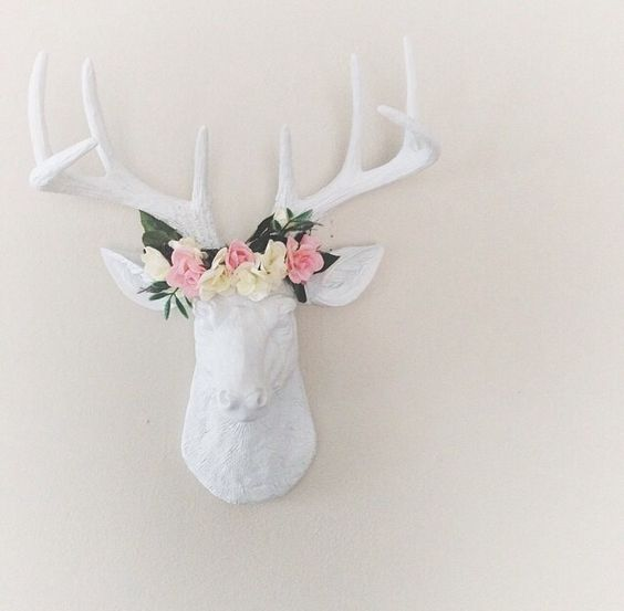 We are loving the way that one of our clients has used The MINI Templeton by White Faux Taxidermy to decorate this cute little space. We are loving those flowers! What a great touch!: