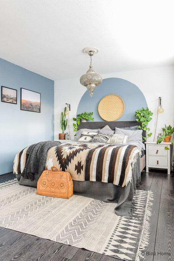 Cirkels in verschillende kleuren in de slaapkamer