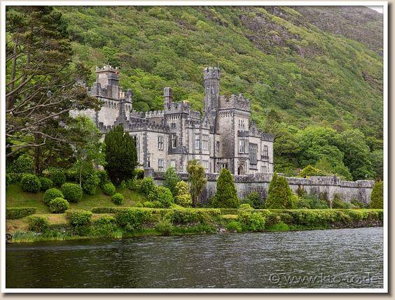 Kylemore Abbey(Connacht, Ireland)