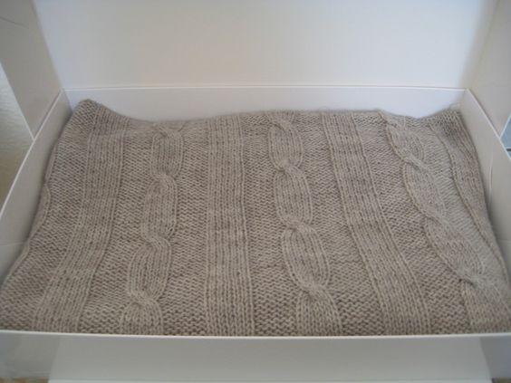 babydecke mit zopfmuster aus 100 merinowolle. Black Bedroom Furniture Sets. Home Design Ideas