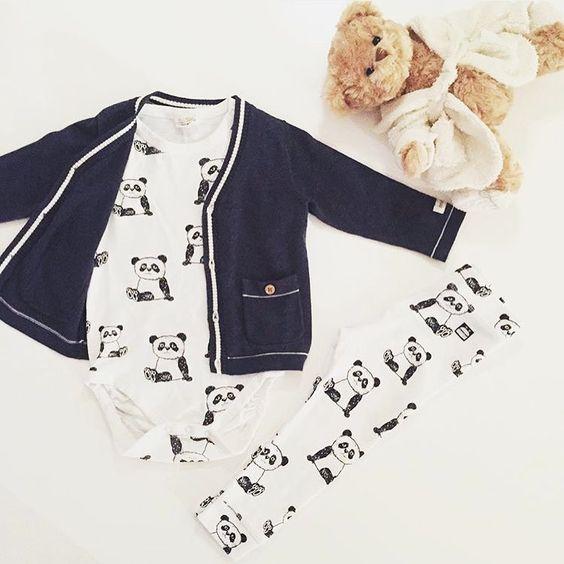 """INSPIRATION FOR BOYS - på Instagram: """"{ v a r i a n t } Här visar @elliots.rum en variant med de vita pandabyxorna från @kappahl. Se föregående bild för ett annat alternativ #kappahl #kappahlkids #newbiebykappahl #inspoforbabybyifp #barnkläder #pojkkläder #flickkläder #barninspo #barnklädesinspo #barnmode #kidsfashion #barnoutfit #kidsoutfit #fashionkidsandbabys #fashionkids #Kidsfashionforall #kidsfashion #igkiddies #hipkidfashion #babyswag Tack för att jag fick dela din bild @elliots.rum"""""""