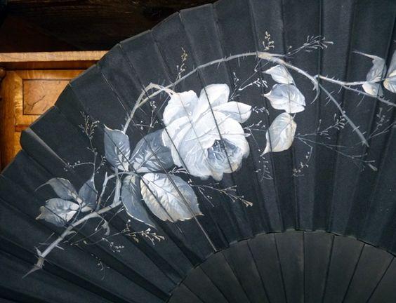 Eventail 'Roses' - Satin Noir et ébène - Vers 1885
