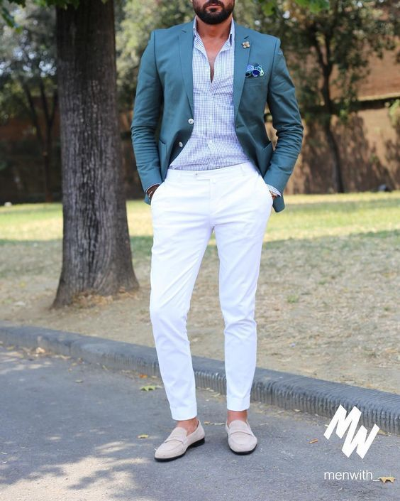 White Pants A Plaid Blue Shirt A Teal Blazer And Creamy Moccasins Is A Great Look For A Beach Wedding Cocktail Attire Men Beach Wedding Suits Mens Outfits