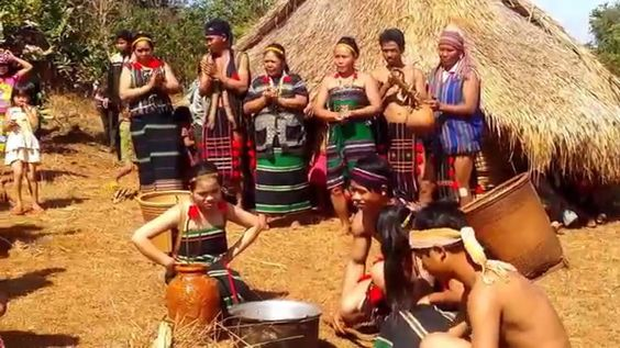 Asian Travel - Tribal Dancing In Mondulkiri - Youtube 02