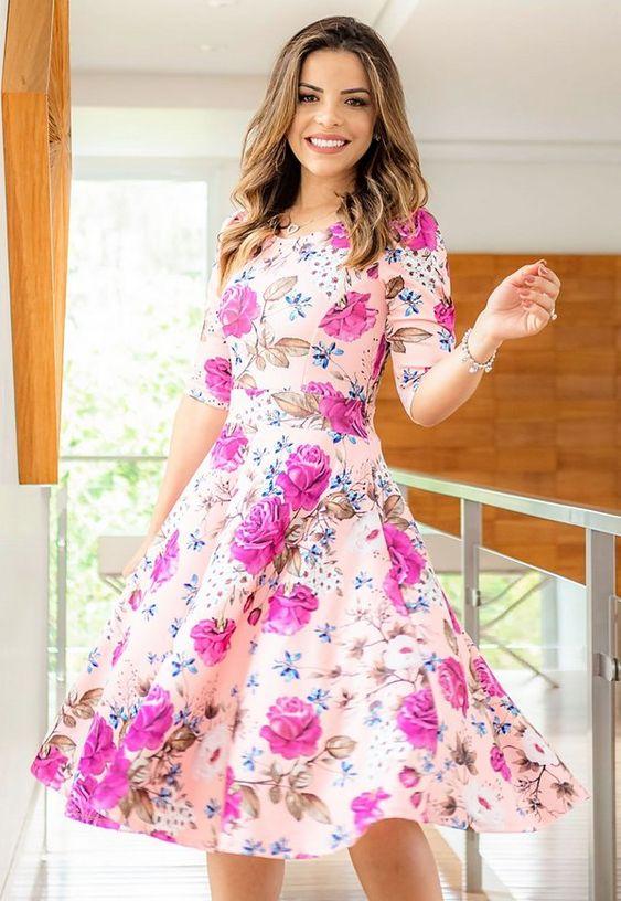 Vestido Midi Estampa de Rosas - Moda Evangélica - Flor de Amêndoa