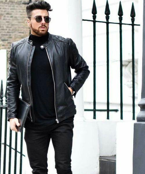 jaqueta de couro com camiseta