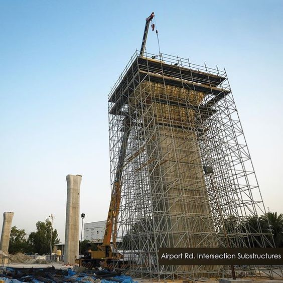 تشييد الإنشاءات التحتية للجسور والتي تشتمل على الأعمدة والقواعد والأوتاد و ذلك ضمن أعمال إنشاء تقاطع طريق المطار مع طريق جمال عبد الناصر الواقعة في المرحلة  من المشروع ____________________________________ #مشروع_تطوير_شارع_جمال_عبد_الناصر  #طريق_سريع #الكويت #كويت #جسر #جسور #هندسة #تخطيط #شارع  #وزارة_الأشغال #تنمية #كويت_تنمية #خدمات #أعمال_طرق #أشغال  #q8 #kuwait #construction #infrastructure #2015 by nasserroad