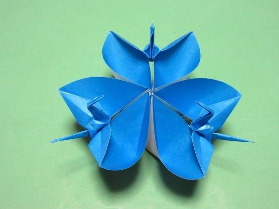鶴の花 作り方 その8 アレンジ 向きの鶴 a b その他趣味 のんびりとゆっくりと Yahoo ブログ 鶴 折り紙 折り紙 アート 折り紙 切り絵