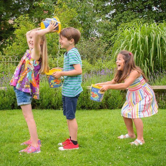 Fun Team Building Activities For Adults And Kids My Baby Doo Sommerfest Spiele Kinder Geburtstag Spiele Aktivitaten Zum Teamaufbau