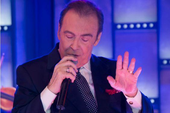Τόλης Βοσκόπουλος!!! Η έναρξη των εμφανίσεων του στο Baraonda!!! #webmusicradio #e_raporto