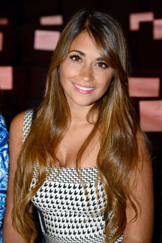 Antonella Roccuzzo (Lionel Messi's wife) - Check eye cream reviews on social media: http://imgur.com/a/UUw3V