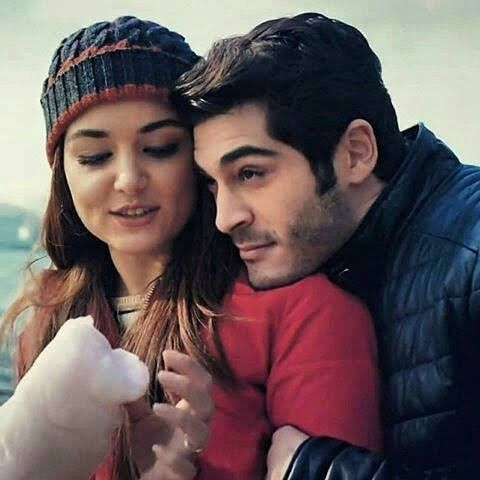 Pin By Sandee Lean On Pyaar Lafzon Mein Kaha Hayat And Murat Murat And Hayat Pics Cute Love Couple