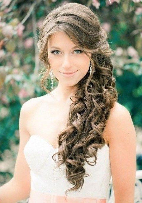 10 Brautfrisuren Seitlich Gesteckt Locken Hochzeitsfrisuren Frisur Hochzeit Brautfrisur