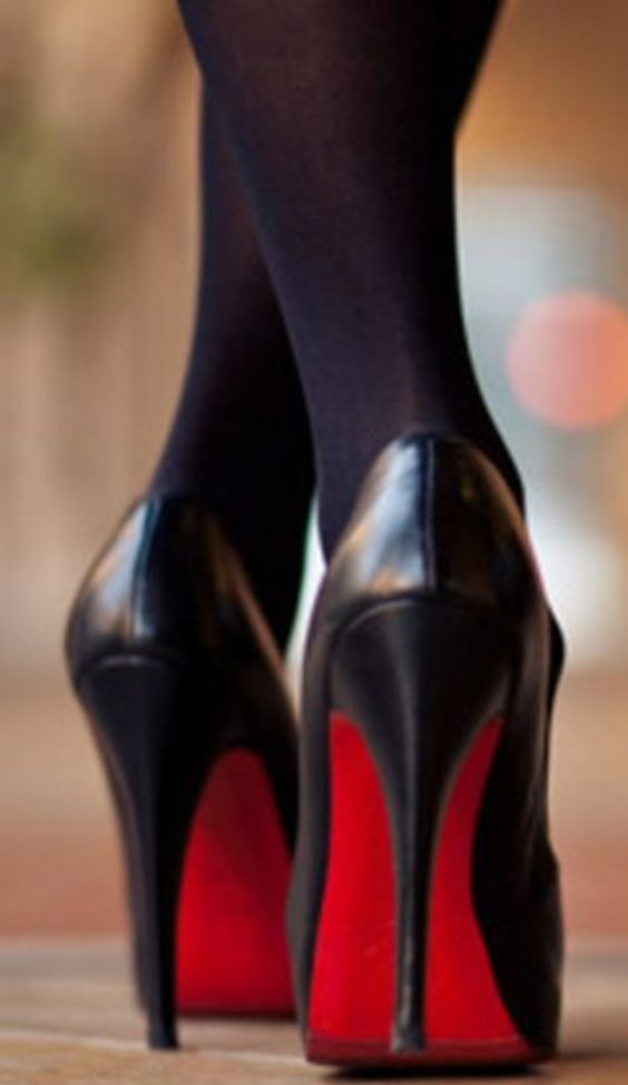Just Boots and High Heels: Black pumps