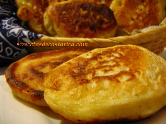 Cocina Costarricense: arepas de queso Kind of pancakes but salty