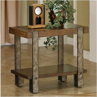 Sierra Chairside Table in Distressed Landmark Worn Oak