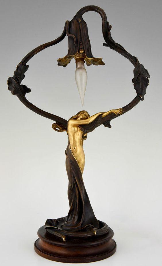 Französische Jugendstil Bronze Lampe mit Frauen Akt und Blume, Jonchery 1900