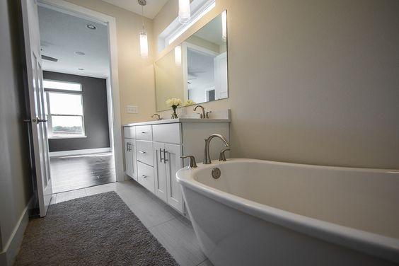 Amazing master bathroom with freestanding tub