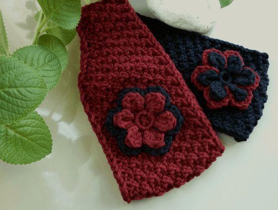 Schickes Stirnband mit 'Blüte' an der Schläfe wärmt wunderbar Ohren, Stirn und Nacken. Gute Wolle eignet sich auch hervorragend für den Sport.