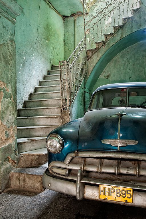 old car, old house, beautiful colors:
