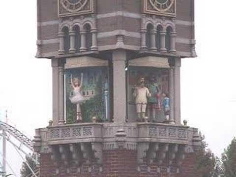 ▶ アンデルセン広場のからくり時計 - YouTube