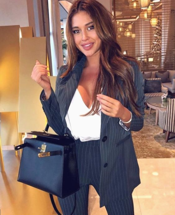 ✔ Office Wear Hijabi Business Casual #minimalismnusantara #minimalistic #officeinspo